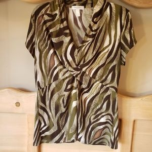 Dressbarn Top Gathered Short Sleeve XL